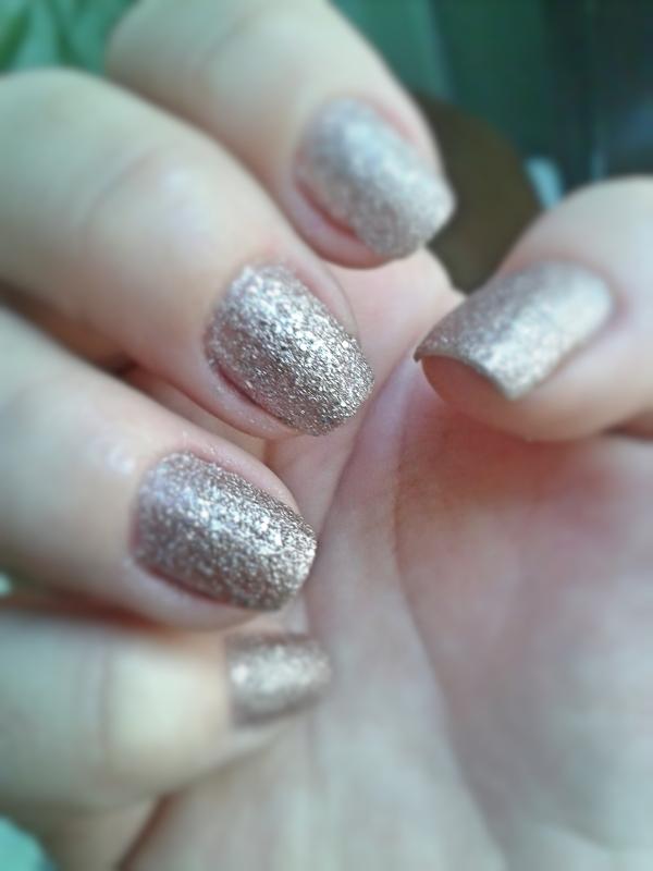 esmalte avon rosa crystal mão 1