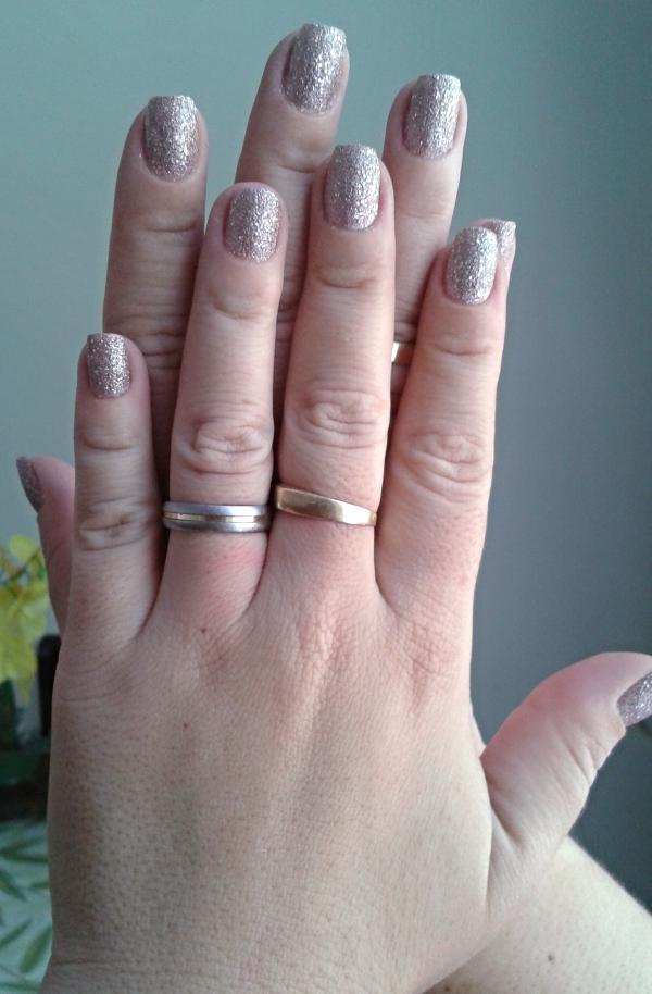 esmalte avon rosa crystal mão 2