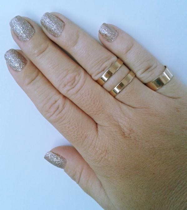 esmalte avon rosa crystal mão