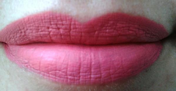batom menow boca rosa