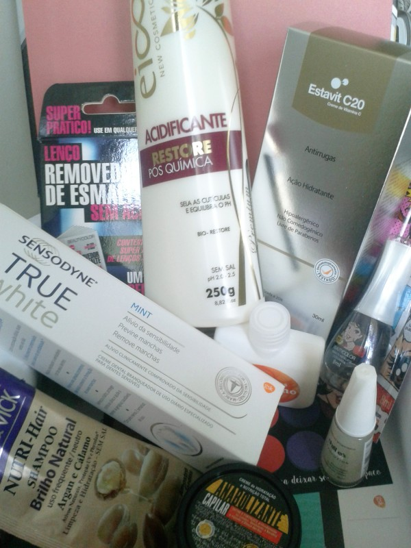 Glambox outubro caixa com os produtos