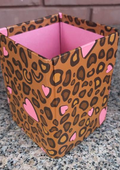 the gift box -porta lápis.jpg
