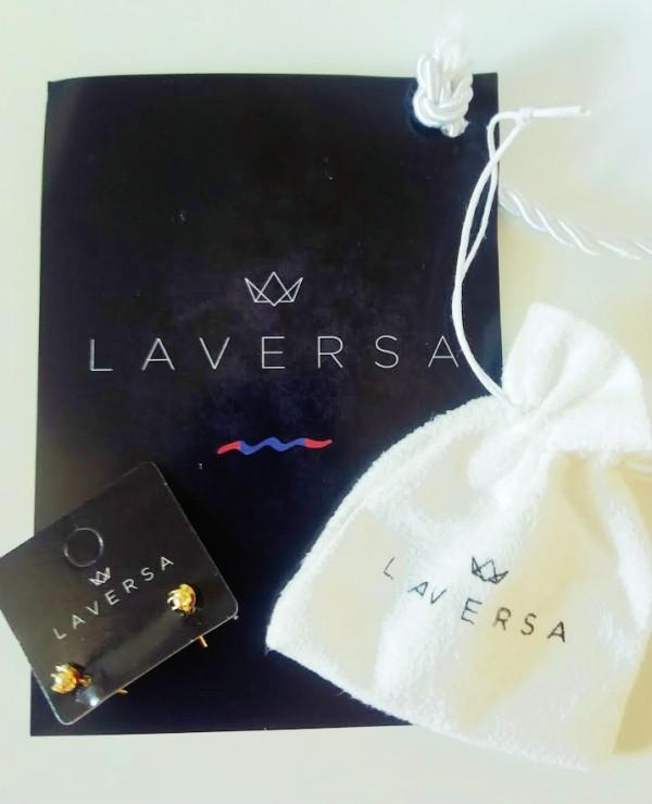 my care box junho - presente brinco laversa
